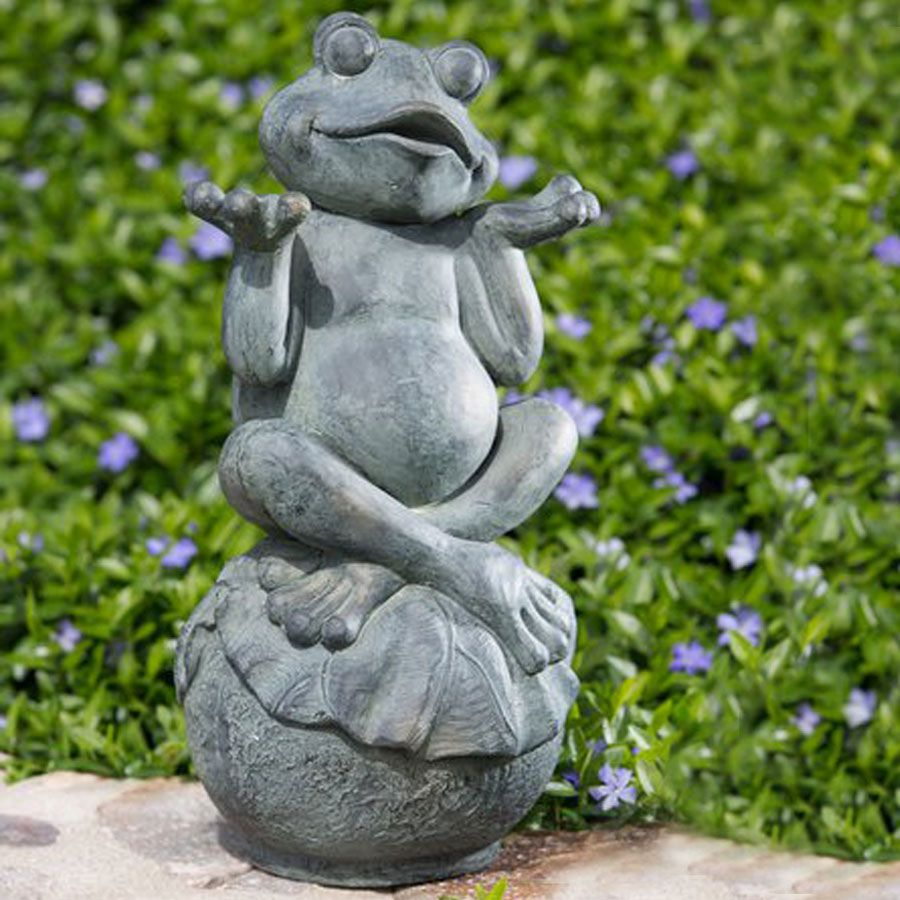 Gnome In Garden: Carefree Frog Garden Statue