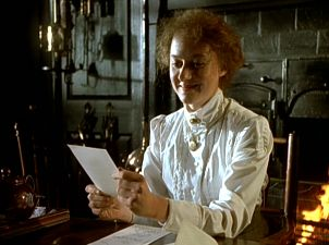 Niamh Cusack as Beatrix Potter