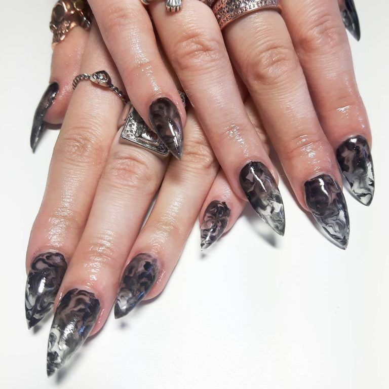 27 Lovely And Extravagant Clear Nail Designs New Nails Pinterest