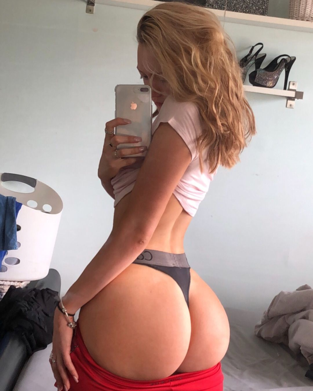 Chloe big ass milf