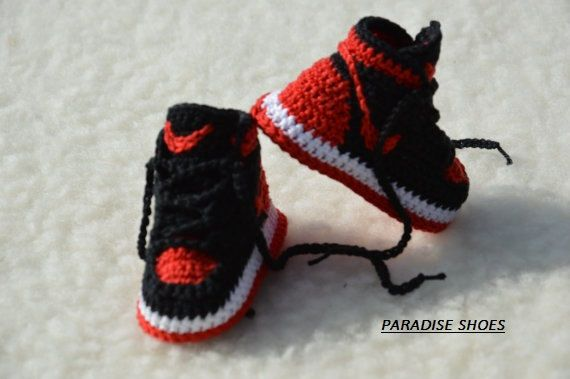 90d3e4834 Nike Air Jordan Bred 1 Crochet Baby Booties handmade shoes inspired to  model jordan 1 Ideal for babies Enter your baby in the world of sneakers  The shoes ...