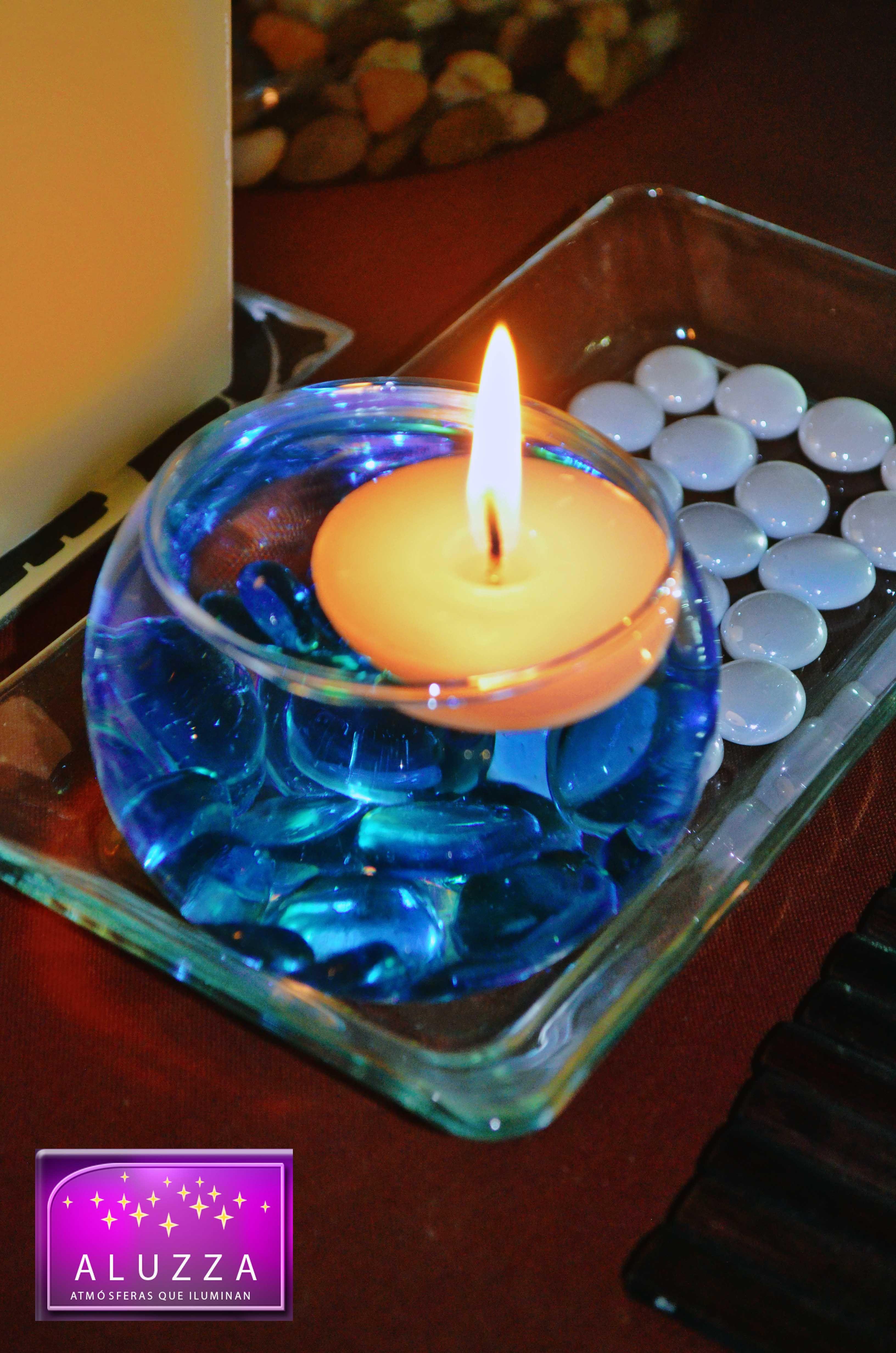 Pecera chica con gema decorativa azul turquesa y vela - Como hacer color turquesa ...