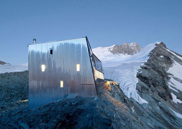 Proyecto: Cabaña Revestida de Acero  Arquitectos: Savioz Fabrizzi Architectes Suiza