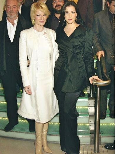 Cate & Liv @ The Two Towers UK Premiere (2002)