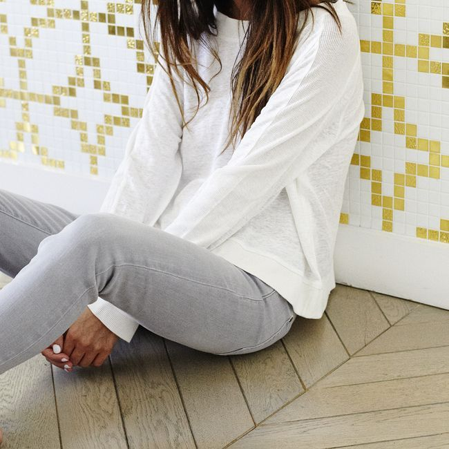 #fineoutfit! A #white Fine Collection #sweater for #breezy summer nights. In the #summer sale now, on the eshop! #finecollection #instafine #fashion #paris #womenswear #frenchstyle #stylish #outfit