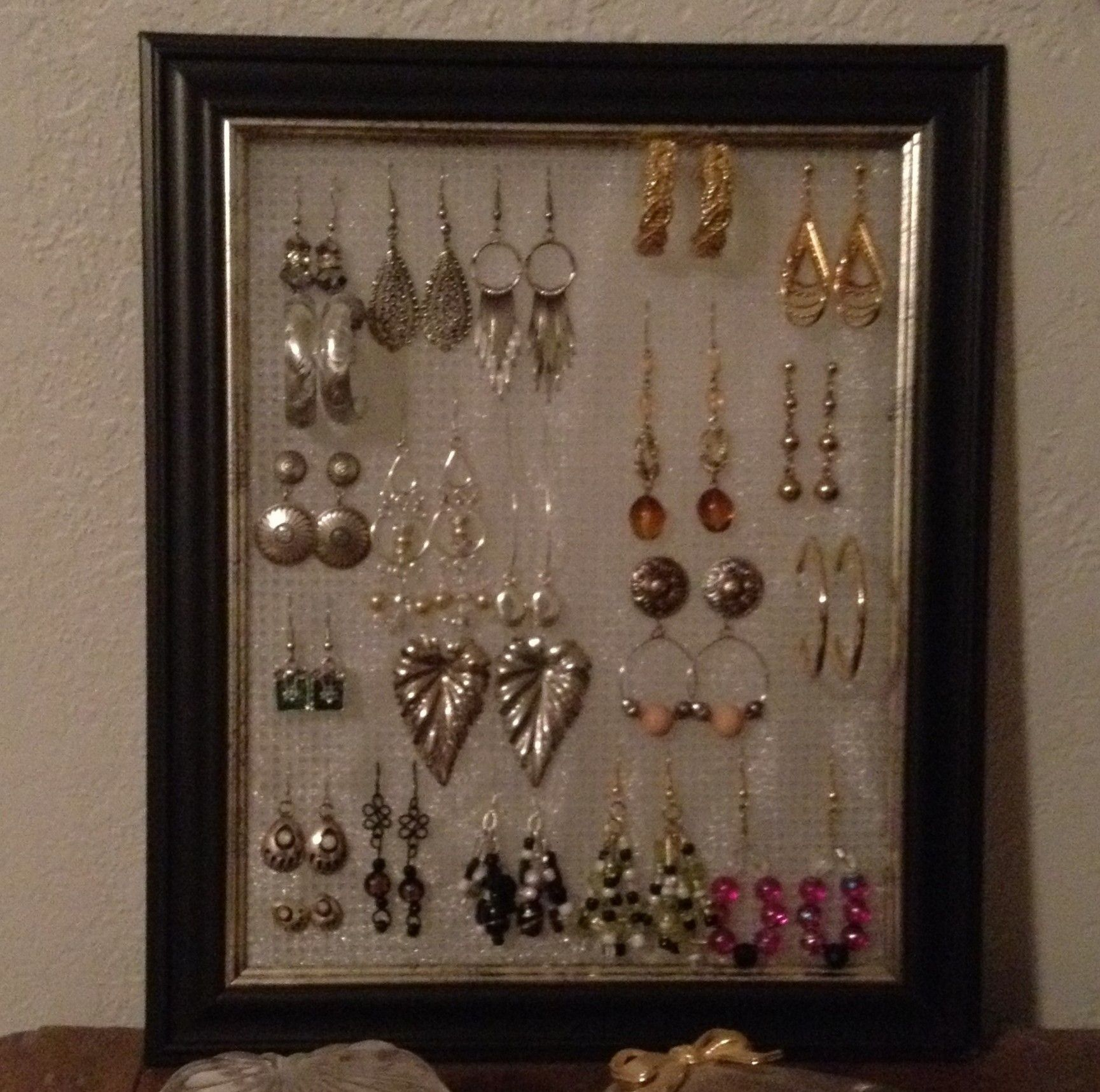 Easy Amp Cheap Diy Earring Holder Need 8x10 Frame Dollar