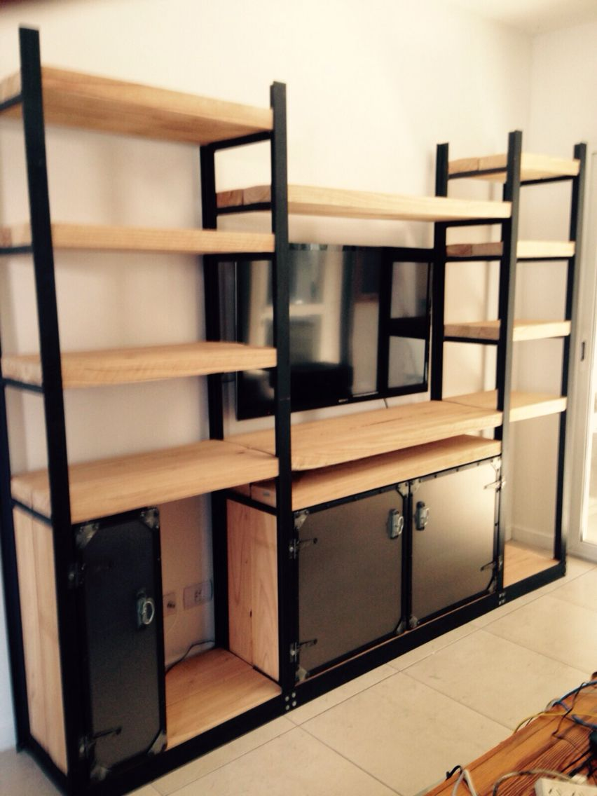 Mueble hierro y madera con estilo industial rustico for Muebles de diseno industrial