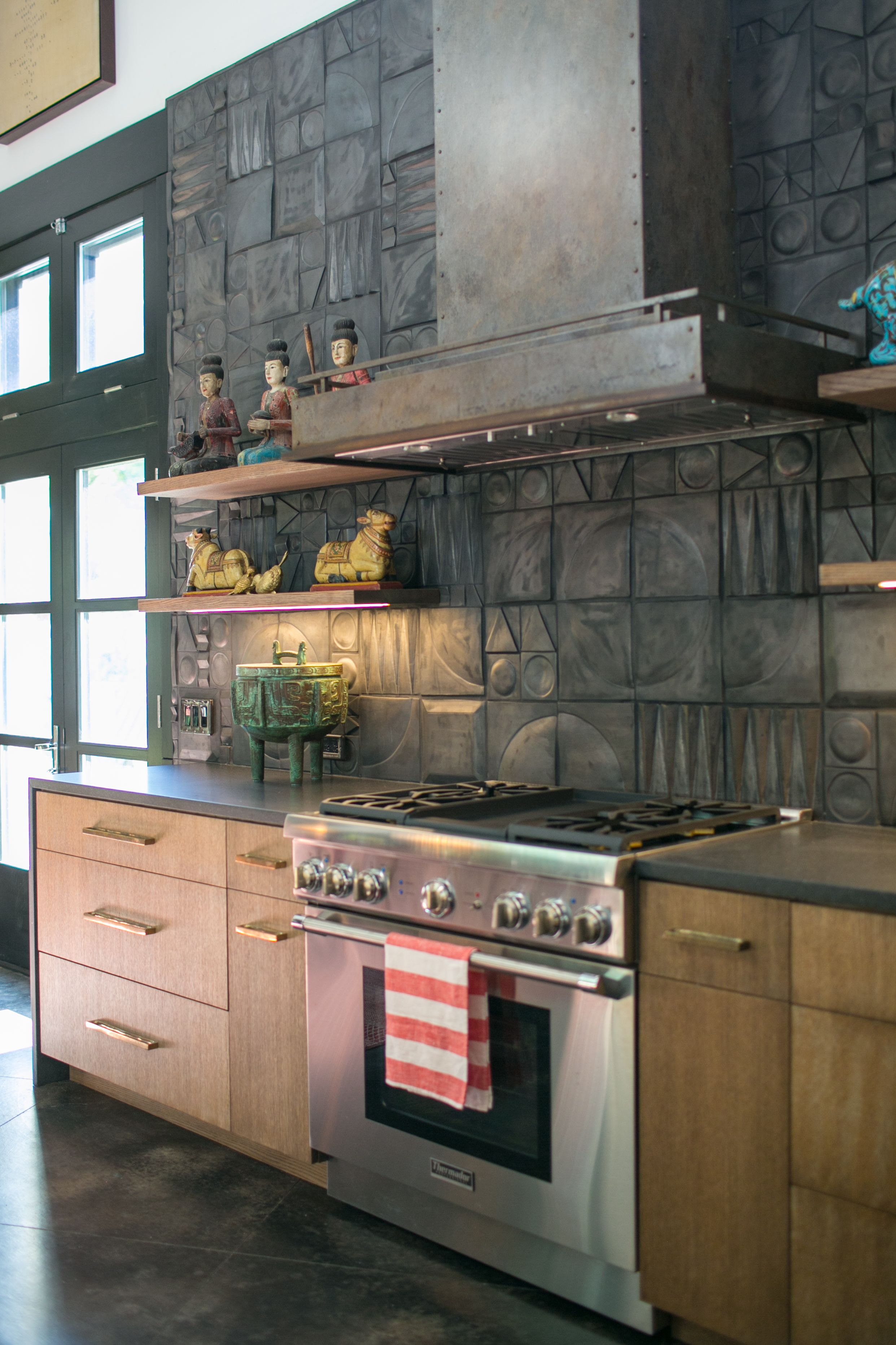 Thermador Range With Custom Handcrafted Range Hood By Raw Urth Designs Boulder Design In Agate Pati Condo Kitchen Remodel Farmhouse Kitchen Design Range Hoods