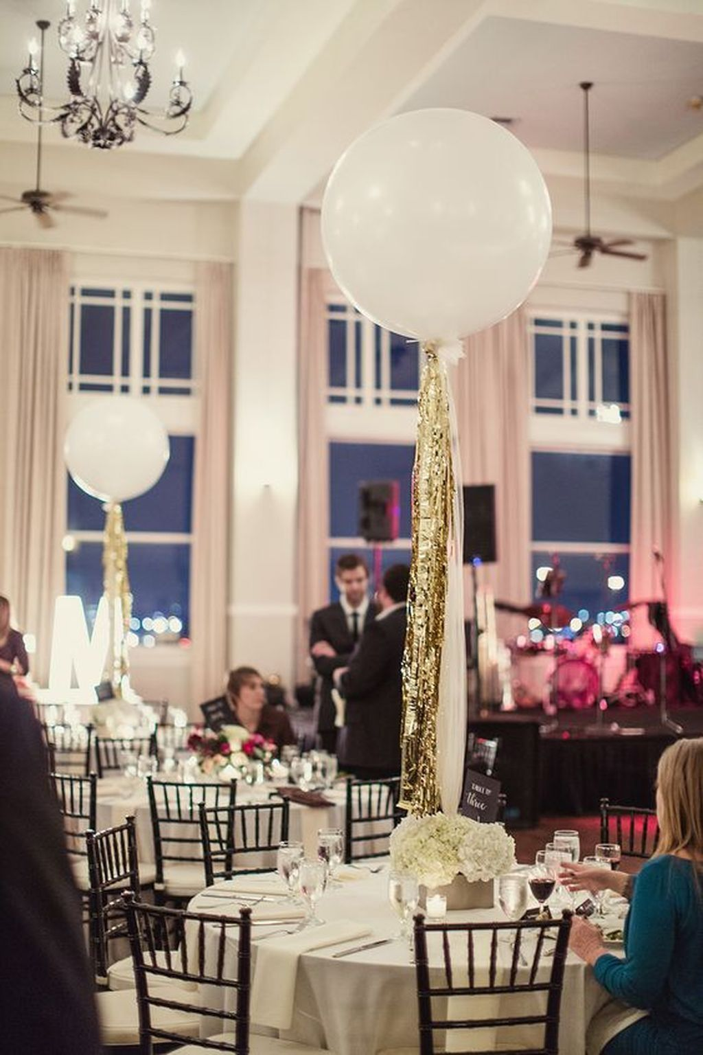 80 Simple And Beautiful Balloon Wedding Centerpieces Decoration