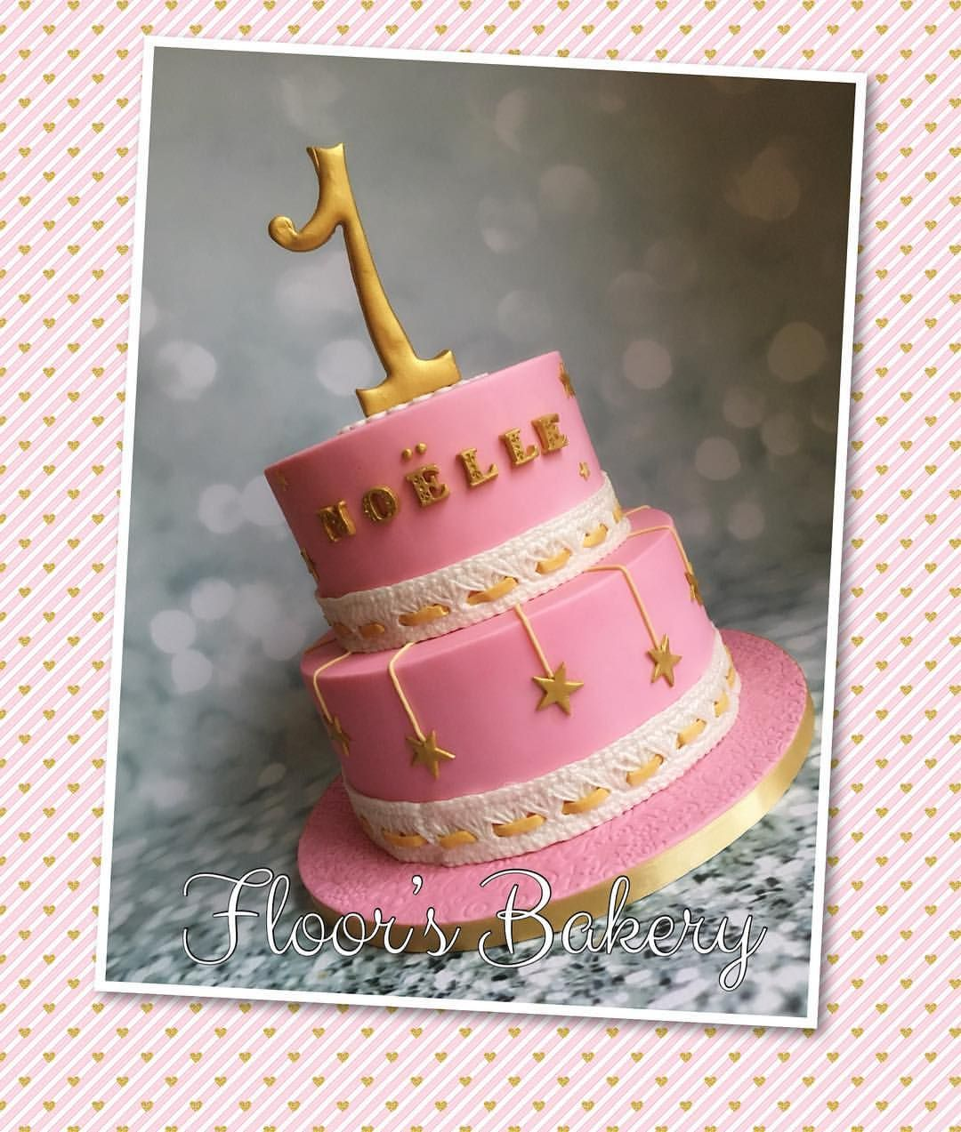 Uitzonderlijk Lieve roze/witte verjaardagstaart met gouden accentjes voor de  #SM-76