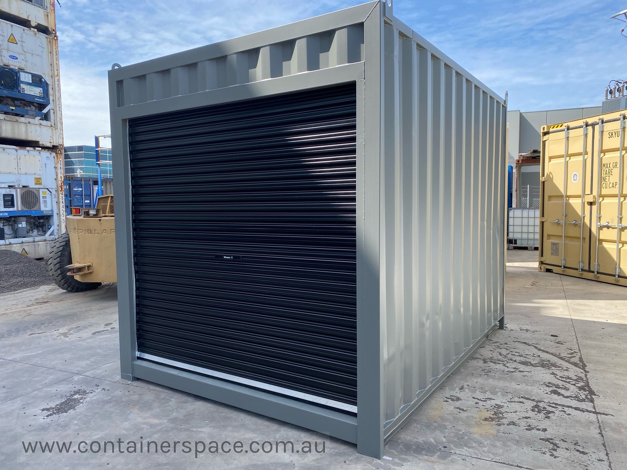 Buy 10ft Shipping Containers In Melbourne Containerspace In 2020 Shipping Container Roller Doors Container House