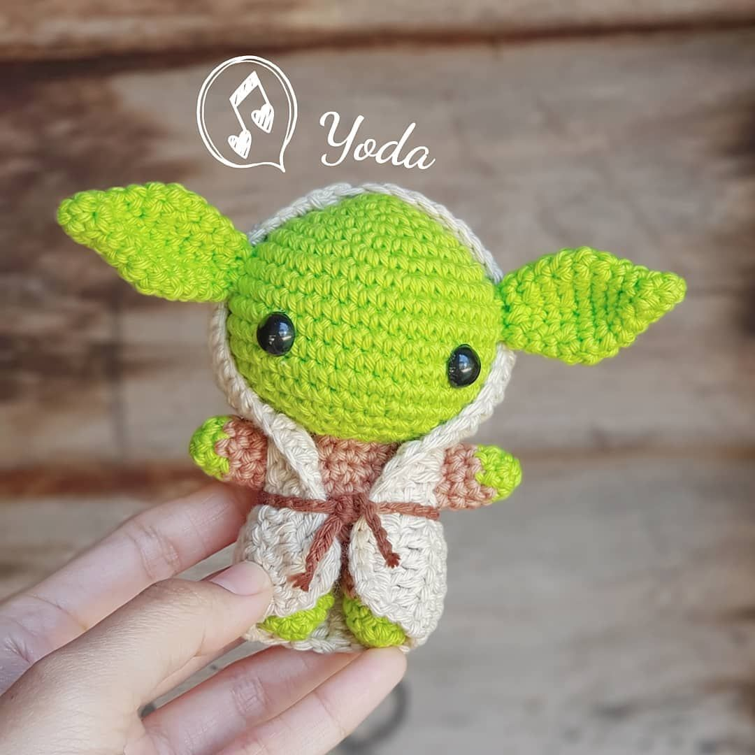 Baby Yoda amigurumis by Petus 2a. parte (English subtitles) - YouTube | 1080x1080