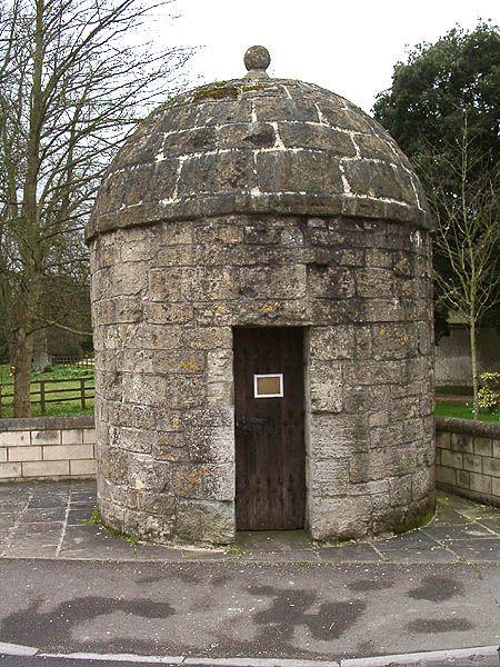 The Blind House Shrewton C 1700 Built For Housing