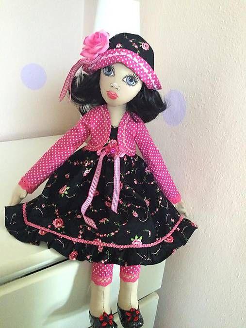 Textilná bábika