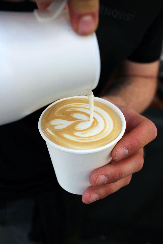 coffee in hamburg der tørnqvist coffee bulli latte barista