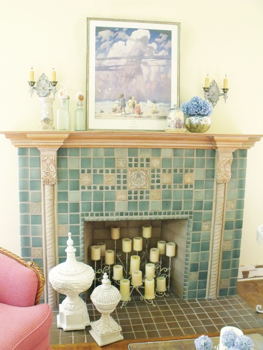 Mod Vintage Life: Summer Mantel  I love this fireplace!