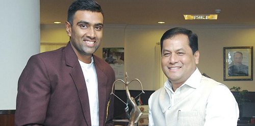 #NewDelhi: #India off-spinner #RavichandranAshwin was presented with the prestigious #ArjunaAward, which was conferred on him last year, by the Sports Minister Sarbananda Sonowal.