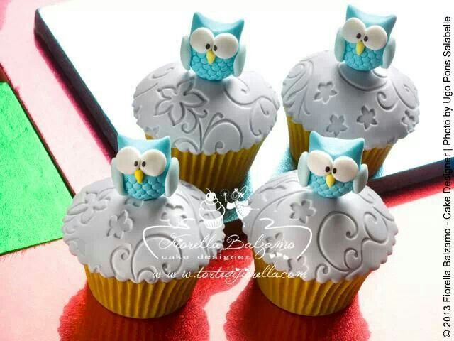 Owl cupcakes by Fiorella Balzamo