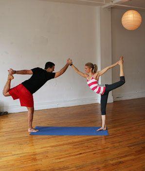 Épinglé sur yoga a deux facile