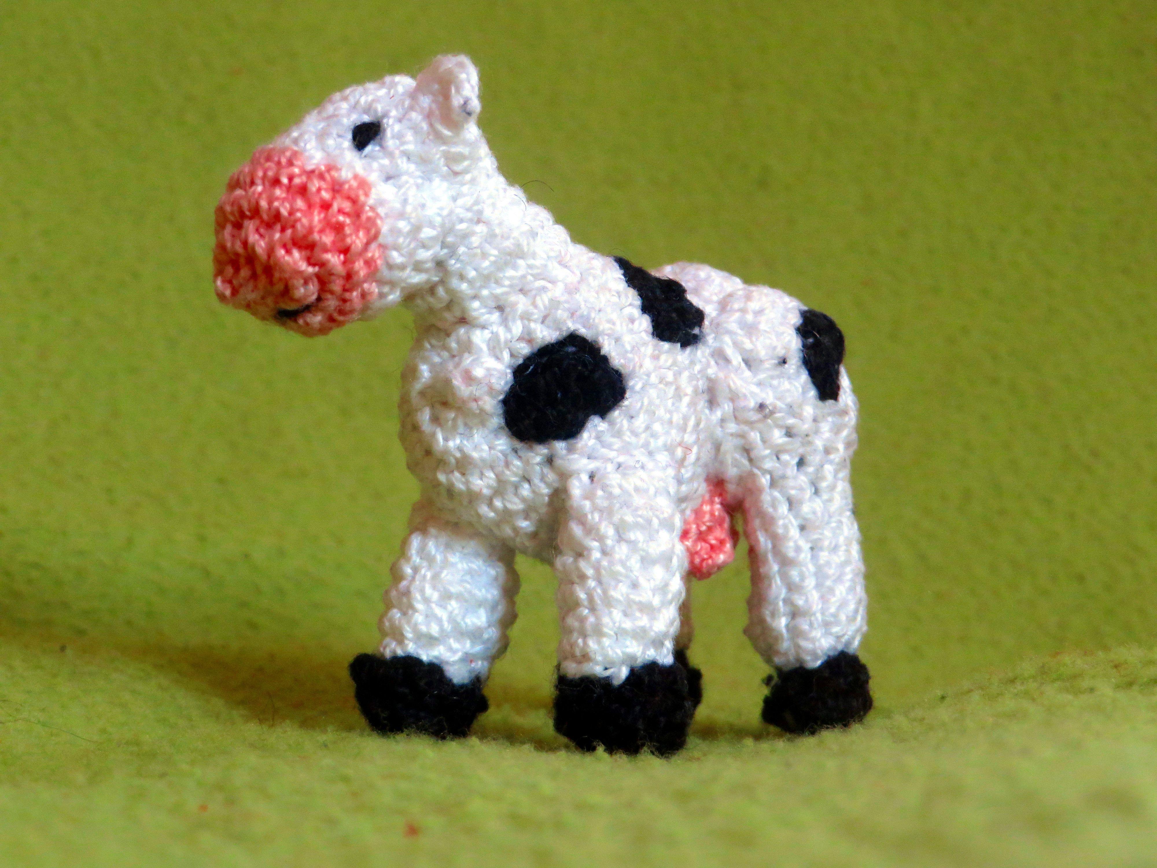 Amigurumi Vaca : Vaca tamaño llavero vaca llavero cow amigurumi crochet diy