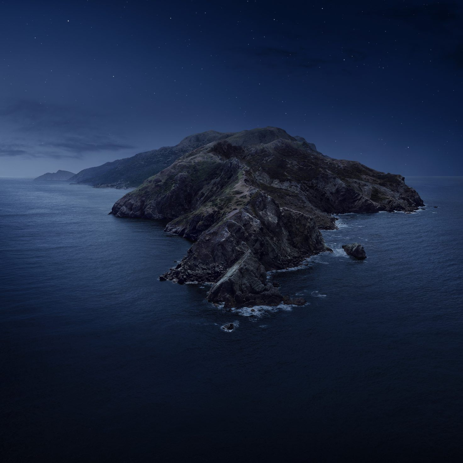 Ios 13 And Macos Catalina Wallpapers Iphone Wallpaper Night Apple Wallpaper Dark Wallpaper