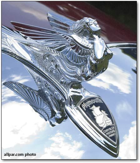 flying-lady-hood-ornament