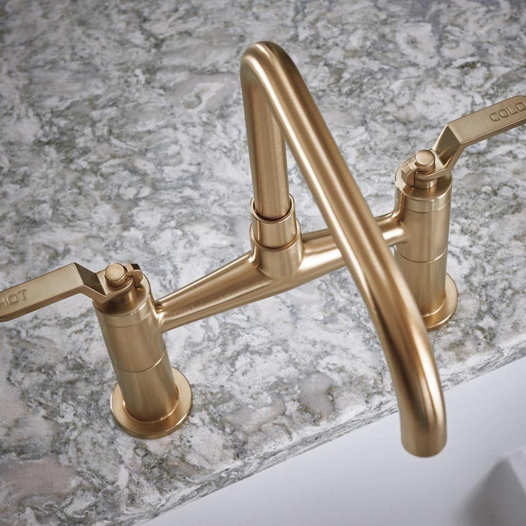 the litze bridge kitchen faucet with