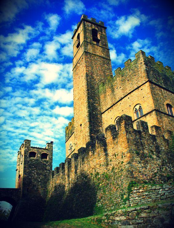 Poppi e il Castello dei Conti Guidi, Italia