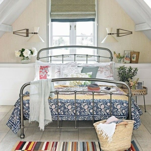 kleines Schlafzimmer einrichten auf dem Dachboden sehr praktisch - schlafzimmer romantisch einrichten
