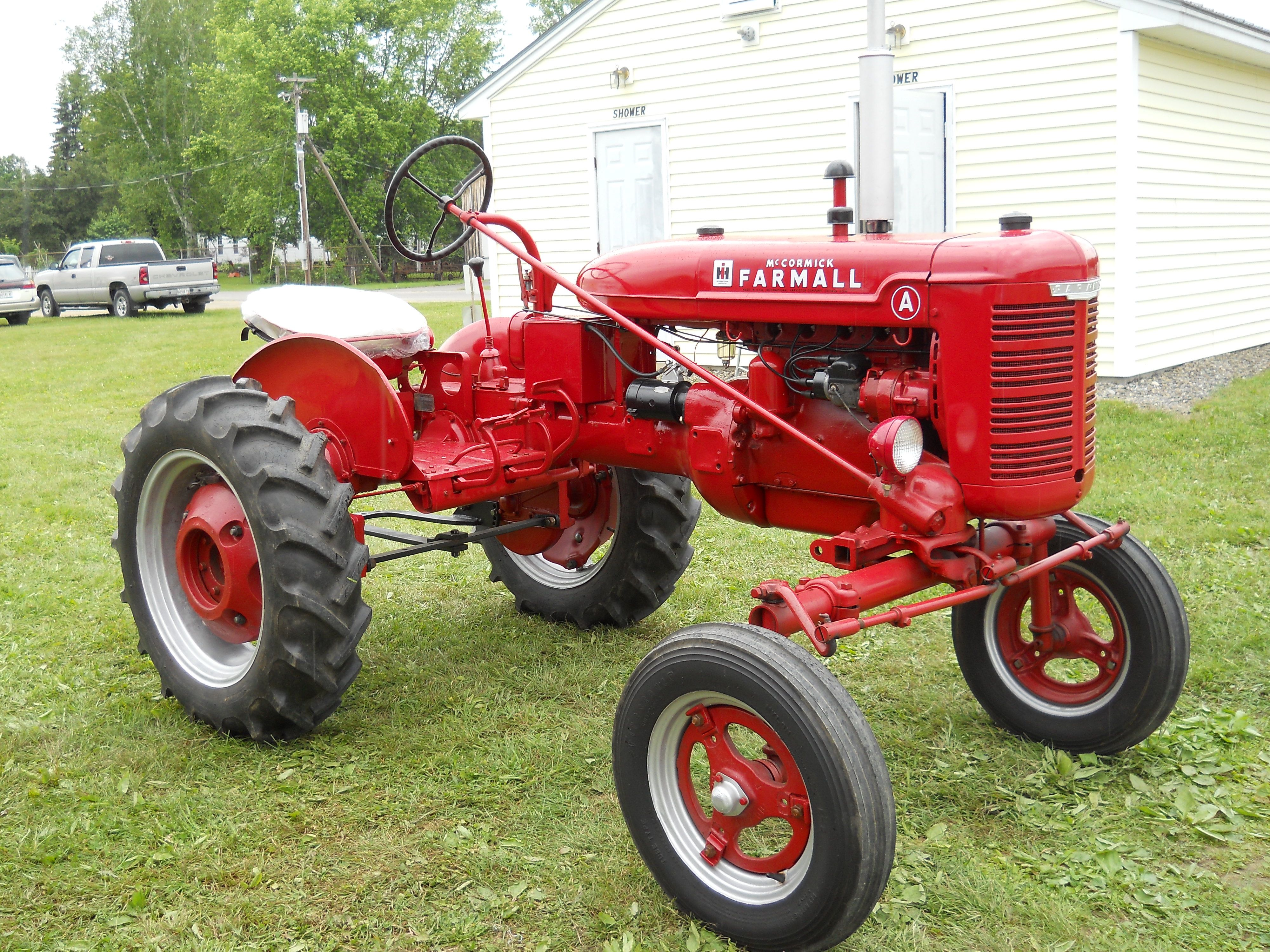 Ih Garden Tractors : Mccormick farmall a tractor https youtube user