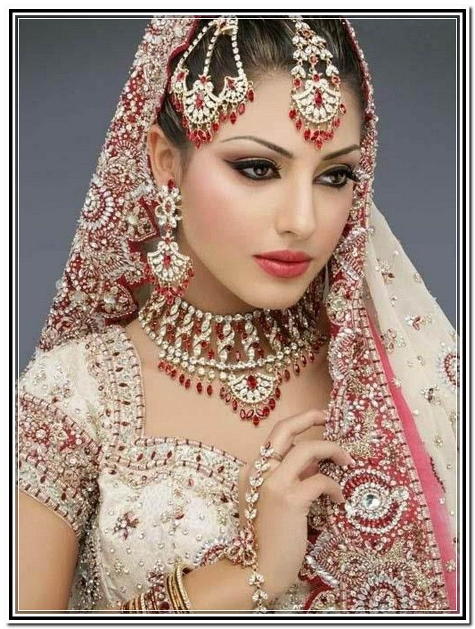 Bridal Makeup Online : Indian Bridal Makeup Looks 2014 www.imgarcade.com ...