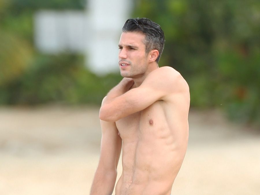 Shirtless soccer stud robin van persie shows off his body in shirtless soccer stud robin van persie shows off his body in barbados voltagebd Images