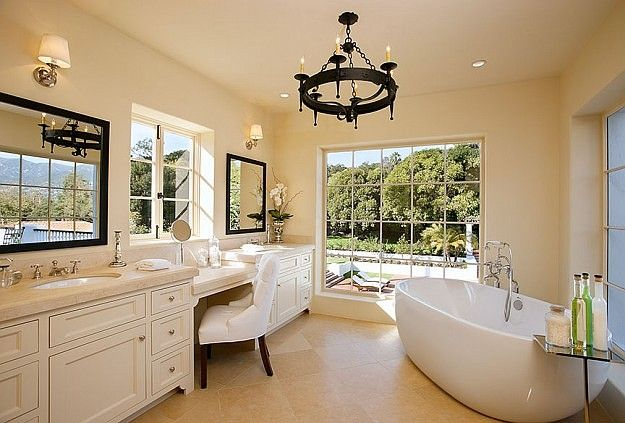 *HomeBunch* Just Look At This Bathtub! Wow! What A Big