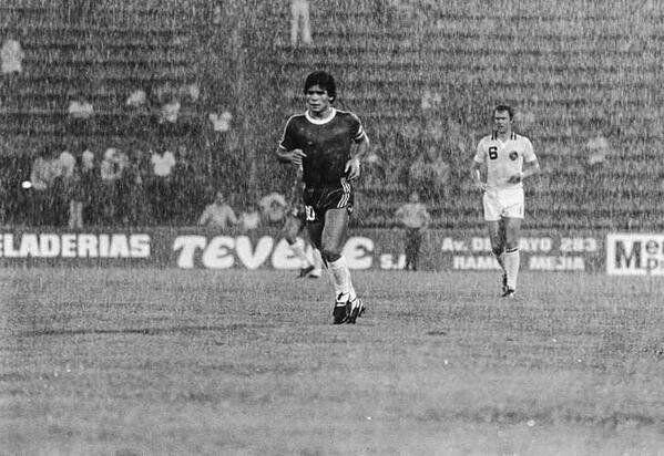 Maradona vs Cosmos - Futbol Retro (@ArgFutbolRetro) | Twitter