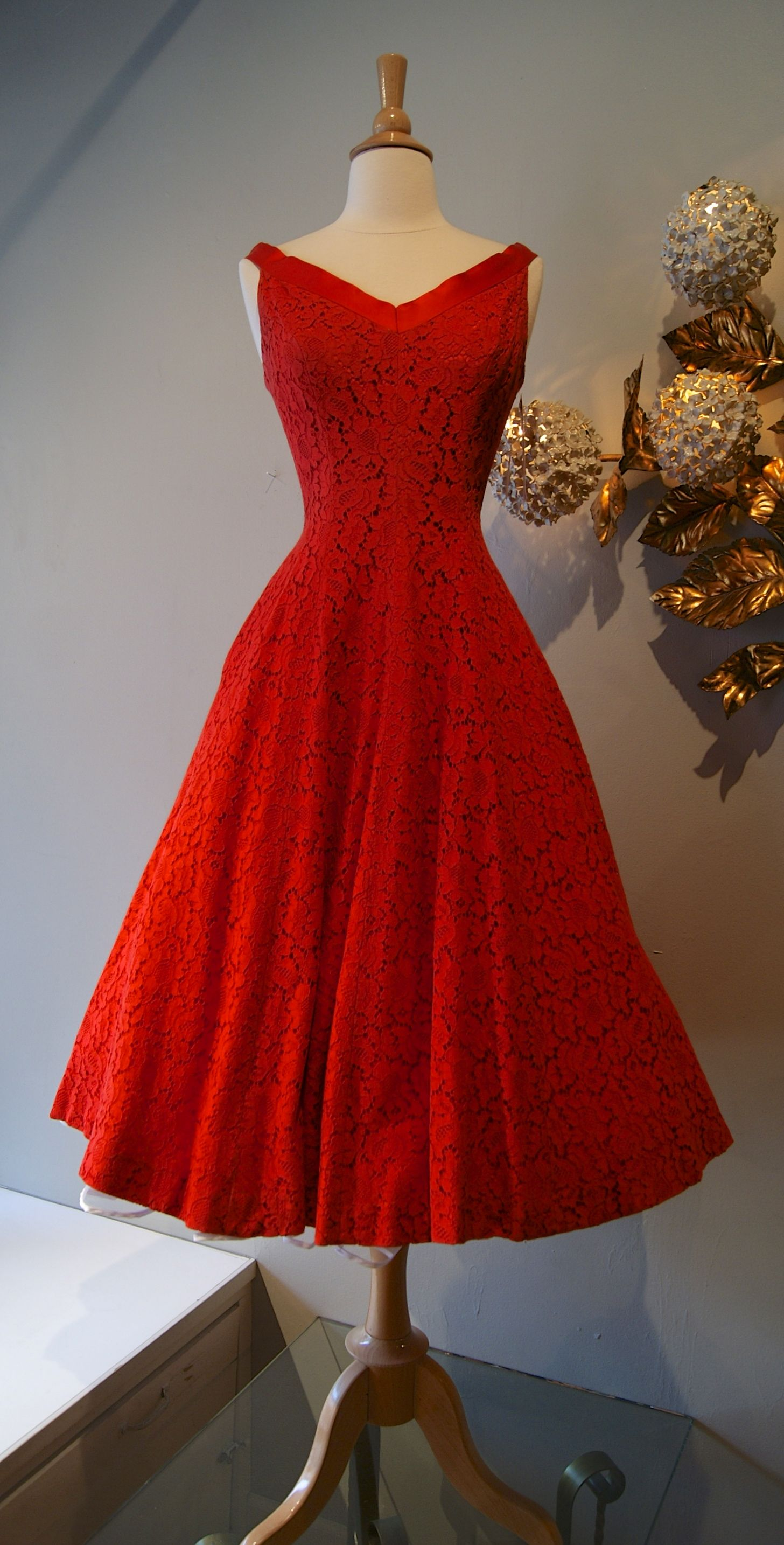 Jonny Herbert 1950's I love this dress! I want it to have it ...