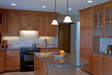 Oak Cabinets With Salem Maple Stain Kitchen Remodel Traditional Kitchen Oak Cabinets