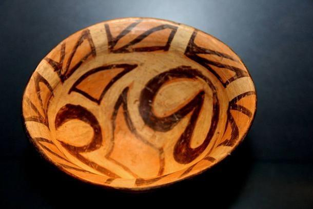 Characteristic example of Cucuteni-Trypillian pottery.