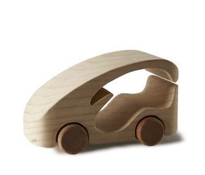 LUISA BOCCHIETTO – ERN-NEST  This is how the idea of TobeUs was born: toy cars made of cedar wood, strong and sweet-scented, beautiful and clever because planned by skilful and passionate designers.