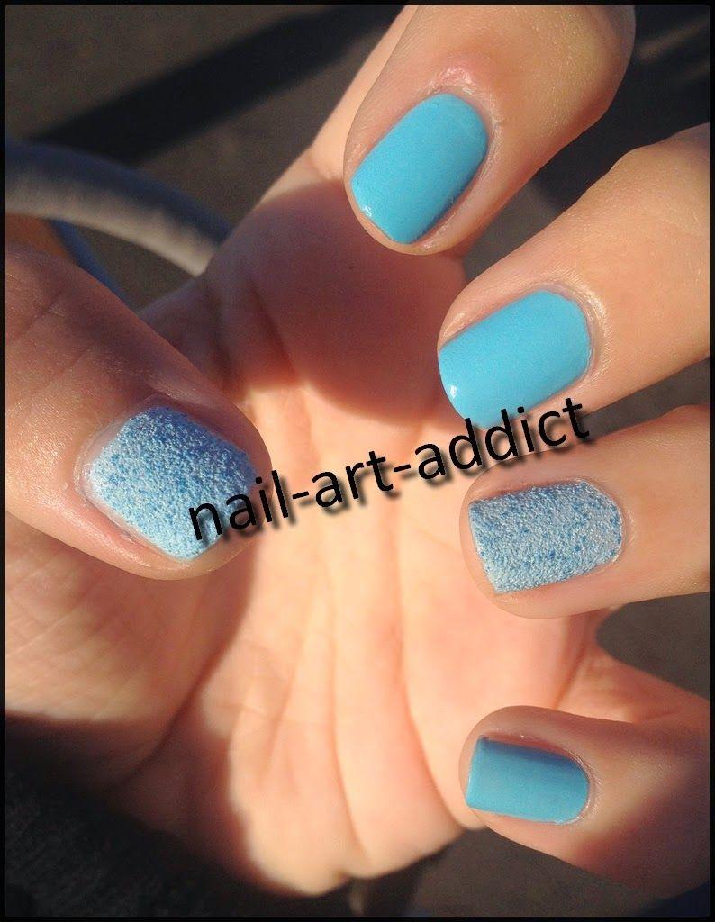 Nail Art : Bleu Cupcake http://nail-art-addict.blogspot.fr/2014/10/nail-art-bleu-cupcake.html