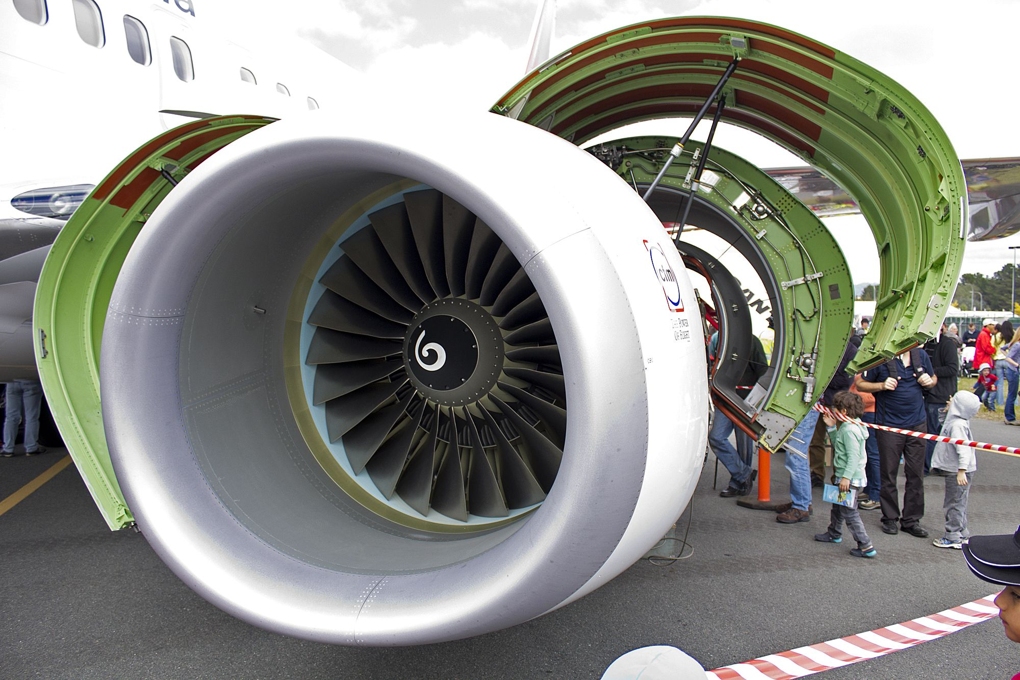 CFM International CFM56-7B26 | Aviation | Pinterest | Jet engine ...