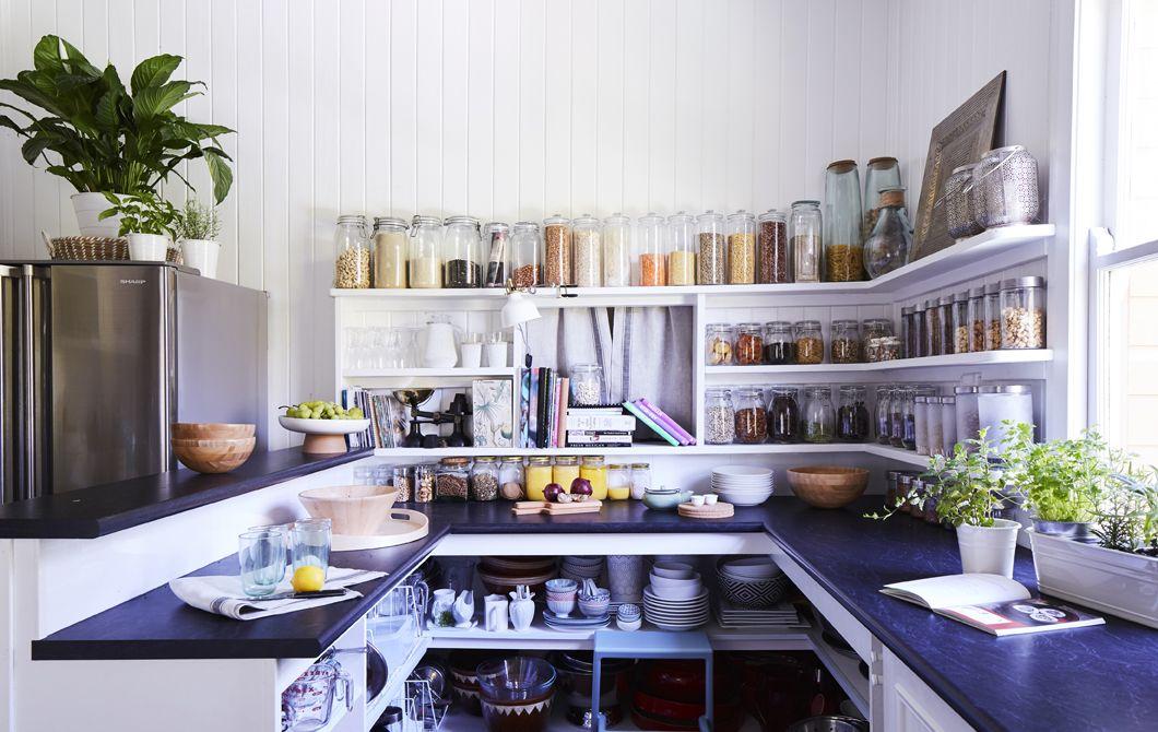 Eine Kuche Mit Offener Aufbewahrung Wohnen Haus Kuchen Wohnideen