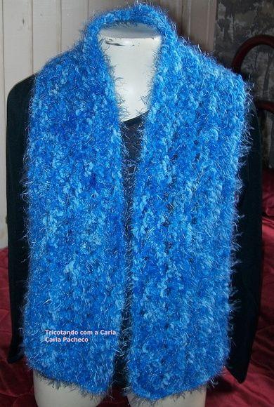 Cachecol em trico com fio de lã peludo UMA PEÇA DISPONÍVEL R  30 f483005dd3d