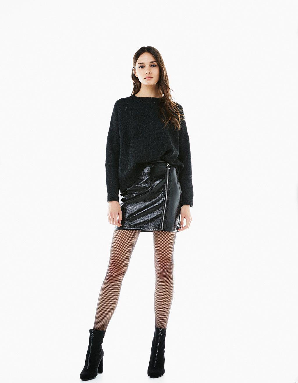 6cb174922 Minifalda charol cremallera delantera | A outfitsss | Falda bershka ...
