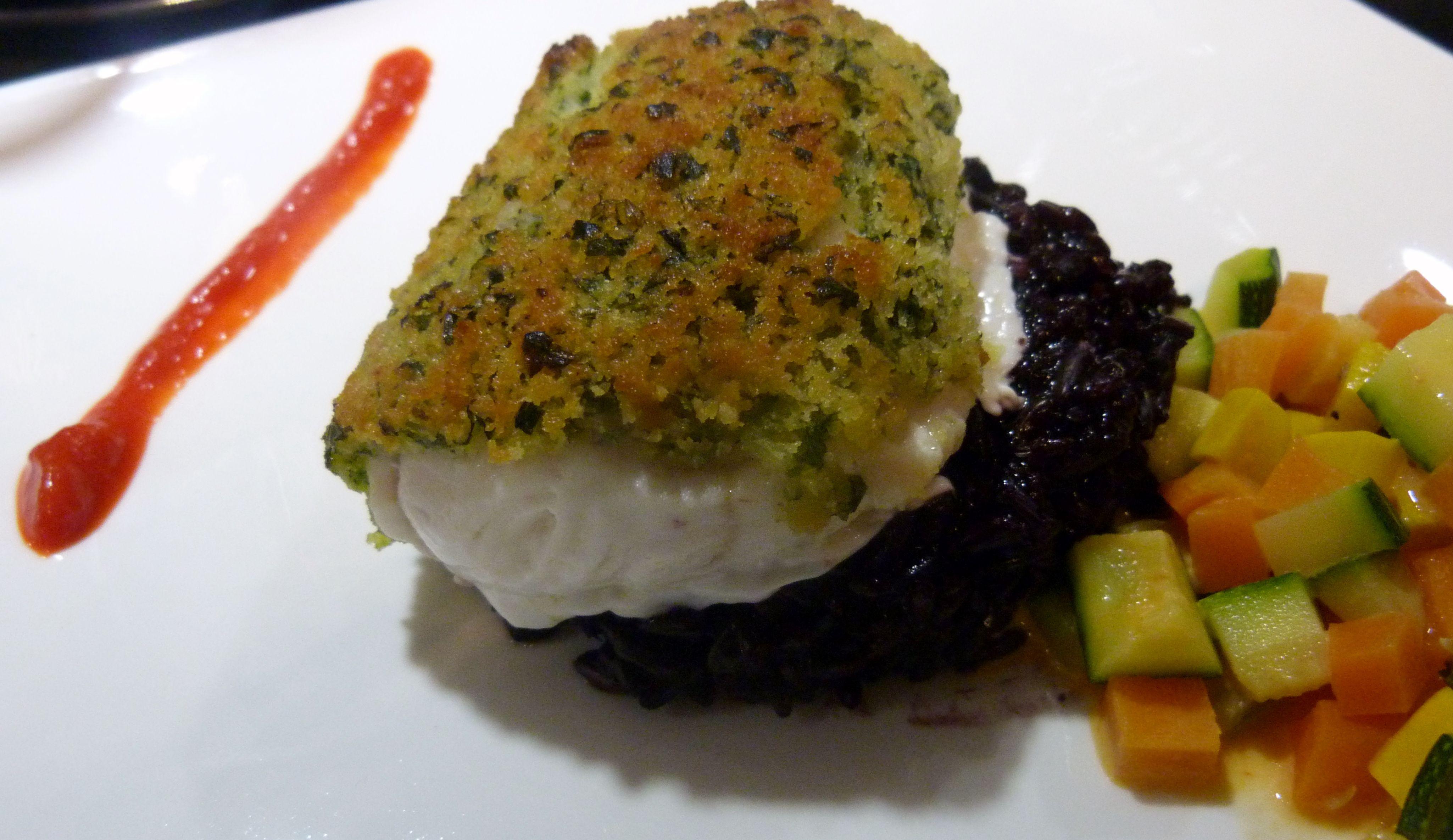 Secundo: zeewolf met dragonkorst op zwart rijst en een groentesaus