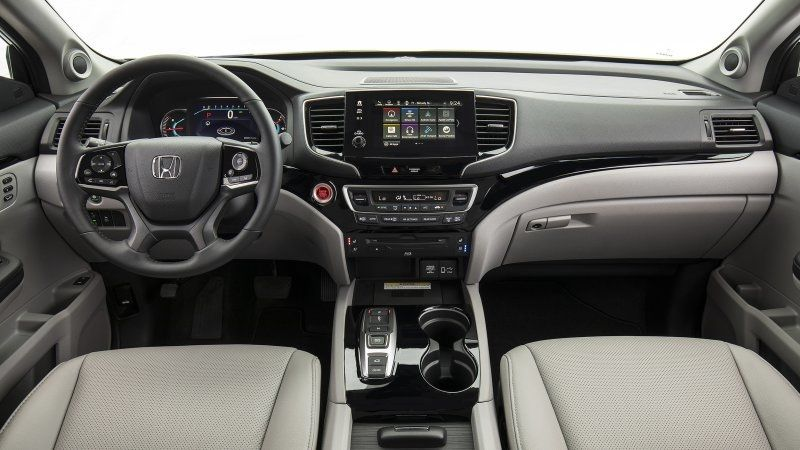 2020 Honda Pilot Review Buying Guide More Capable Than Cool In 2020 Honda Pilot Honda Ridgeline Honda Pilot Reviews