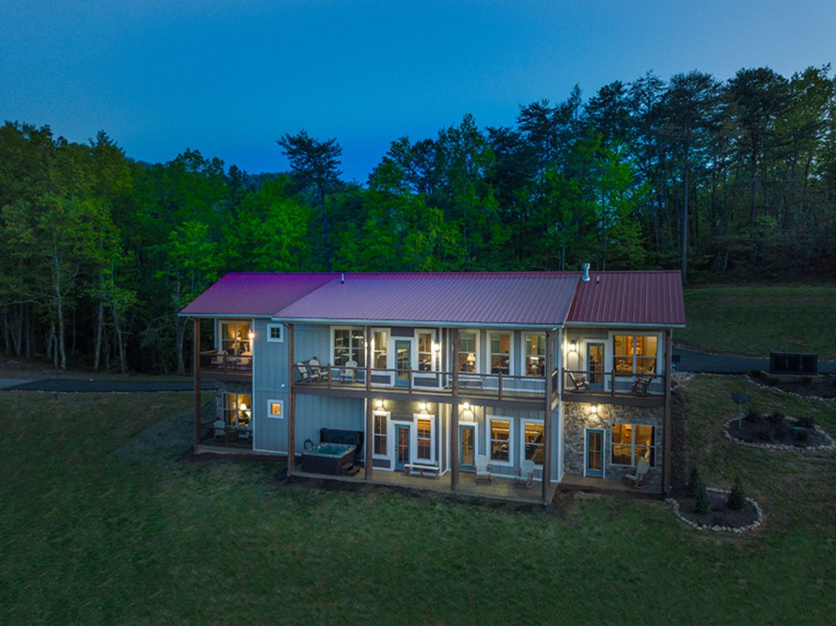 Pleasing Heavens Window Pigeon Forge Tn Cabin Rentals Cabin Home Interior And Landscaping Pimpapssignezvosmurscom