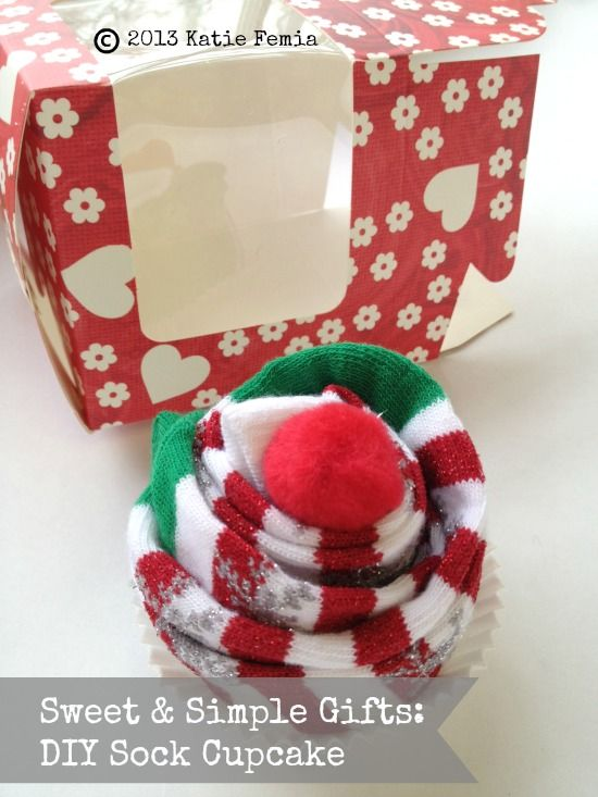diy sock cupcake quick and easy gift idea christmas ideas