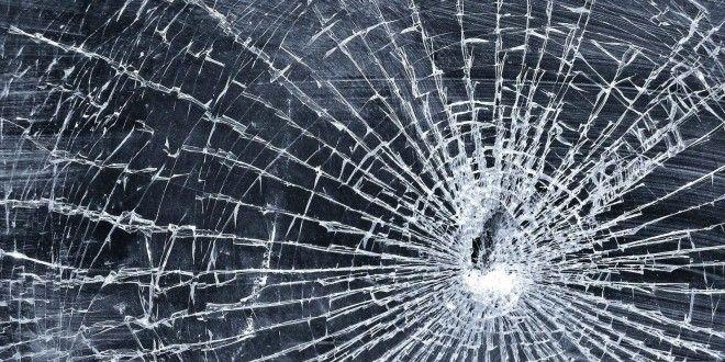 Glass Breaking Hd Wallpapers Hd Wallpapers 360 Broken Screen Wallpaper Broken Glass Wallpaper Screen Wallpaper Hd