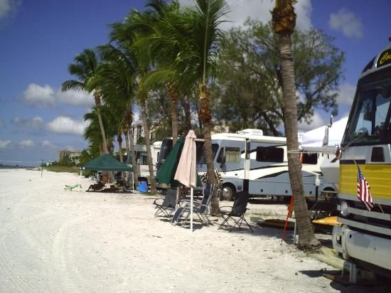 Red Coconut Rv Park Fort Myers Beach Fl Campground