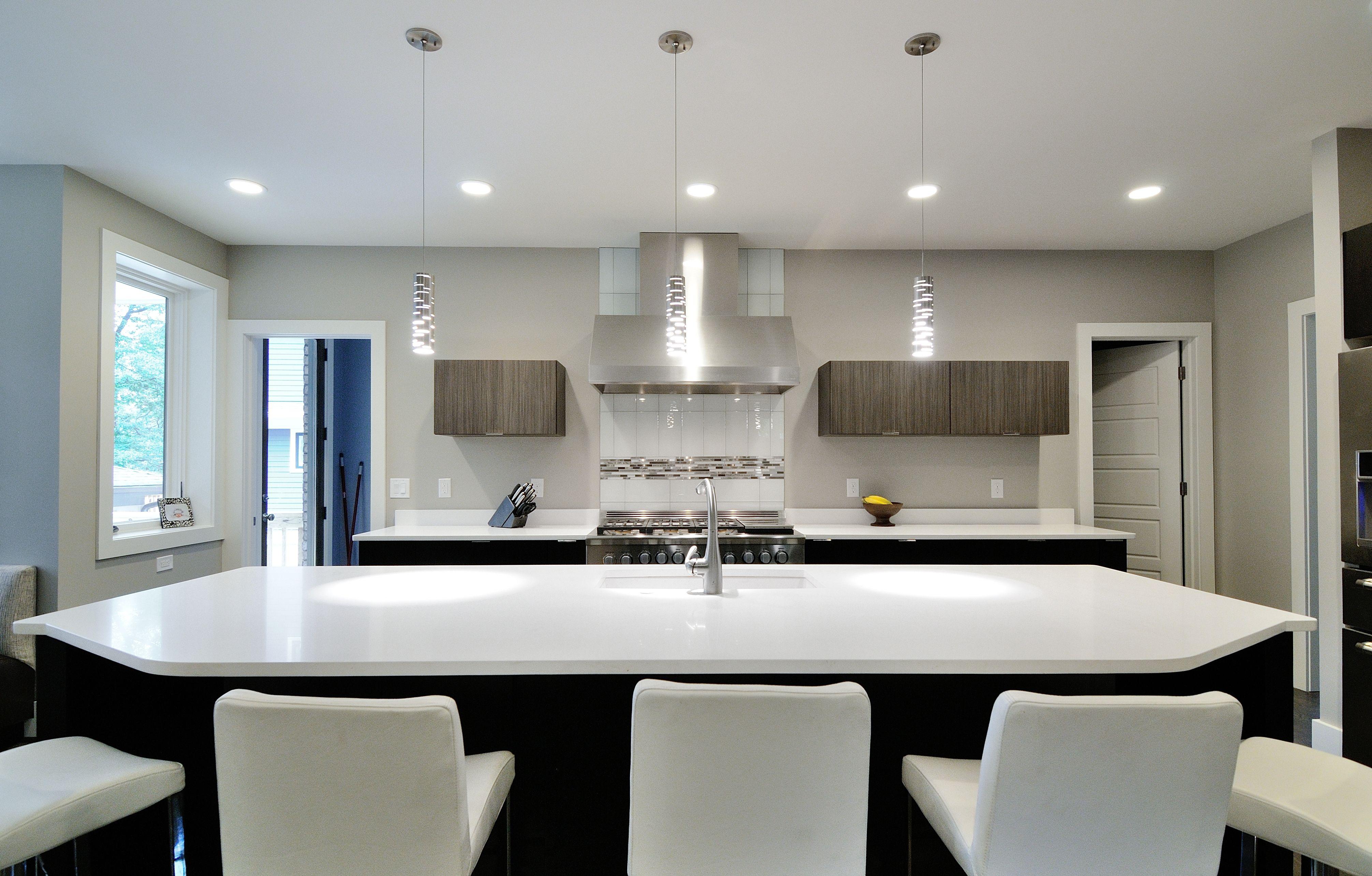 Best Pure White Quartz Kitchen Countertop By Atlanta Kitchen 400 x 300